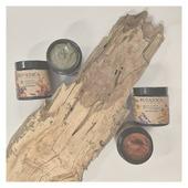 Milí Botanisti,  zaujíma nás, akú úlohu vo Vašom živote zastávajú 🧼 kozmetické produkty. Sú pre Vás očistné 🌿 a rozmaznávajúce rituály skôr povinnosťou, ☺️ ktorú musíte vykonať na ceste za zdravou pokožkou a vlasmi, alebo je kozmetika Vaším koníčkom a rôzne domáce či wellness procedúry 🛀 si doprajete s radosťou a vždy sa na ne tešíte? 🤩 Nájdeme vo Vašej kozmetickej taštičke len to naozaj nevyhnutné, alebo Vám robí radosť polička plná produktov od výmyslu sveta? 🤔 Máte svojho dlhoročného kozmetického obľúbenca, na ktorého nedáte dopustiť? 🌼 Alebo radi skúšate nových skrášľujúcich pomocníkov? 💆  Dajte nám vedieť v komentári 🙂 Radi si prečítame akých kozmetických nadšencov tu máme ☺️