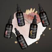 💚 Sú naozaj obľúbené, majú obrovské množstvo využití, sú všetranne prospešné pre naše vlasy a pokožku, ... 🤔 Uhádnete o akých produktoch sme sa takto pekne rozpísali? Áno, reč je o univerzálnych pomocníkoch na každý deň - organických olejoch 😉 Hádame, že väčšina zapálených fanúšikov nášho sveta Botanica Slavica vlastní aspoň jeden z našich BIO olejčekov. 🌼Mýlime sa? Dajte nám vedieť do komentára, či ste už mali tú česť ich vyskúšať a ako ich najradšej využívate 🙃  ☝️ PS: Pre zvedavcov, ktorí ich ešte nevyskúšali ale robia si zálusk, pripomenieme, že organické oleje Botanica Slavica nájdete v poličkách DM drogerie markt Slovensko a tiež na našom e-shope: https://www.botanicaslavica.eu/bio-oleje